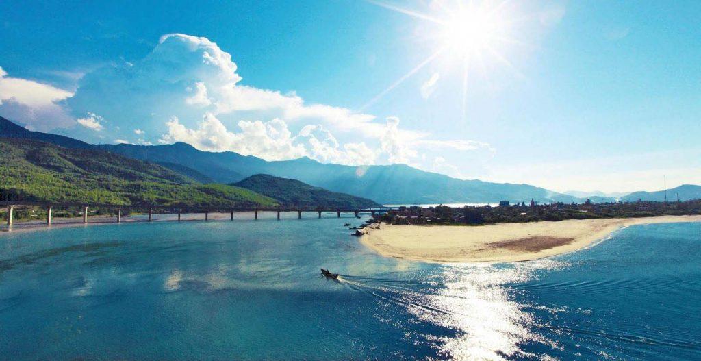 HAI VAN PASS IN HUE-DANANG