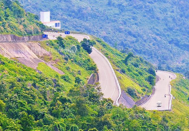 HAI VAN PASS TRAVELDANANG