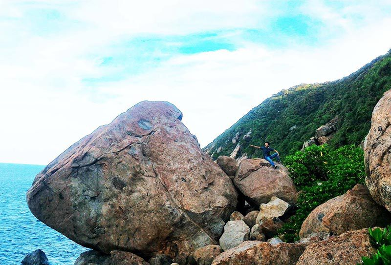 black rock beach da nang