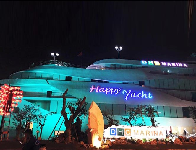 happy yacht da nang