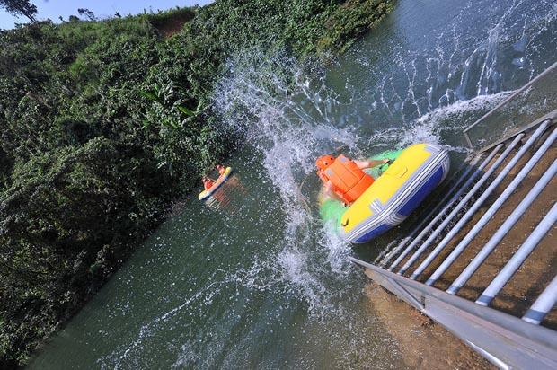 hoa phu thanh waterfall sliding